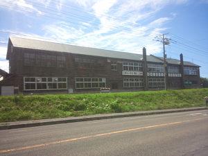 でっかい木造校舎の旧増毛小学校。